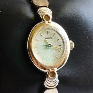 2007  Timex  Quartz Analog Watch Expandable Band